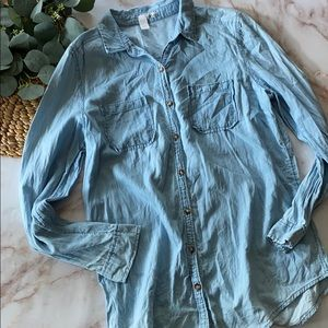 Abound chambray button down shirt - Size L